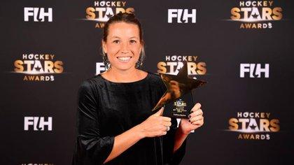 El 5 de febrero, en Alemania, Merinofue elegida la mejor jugadora de hockey(Twitter: @en3lineaslp)