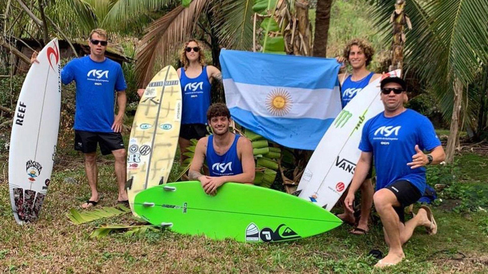 entrenamiento que la Selección argentina de surf está realizando en Hawaii