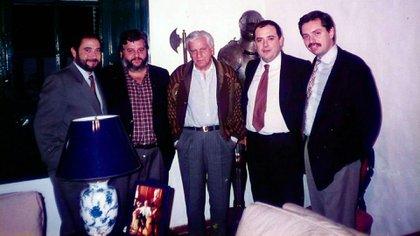 Con integrantes del Grupo Calafate a fine de los '90: (de izq.a der.) Jorge Arguello, Tito Pandolfi, Antonio Cafiero, Eduardo Valdés y Fernández.