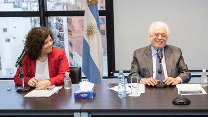 Carla Vizzotti y Ginés González García
