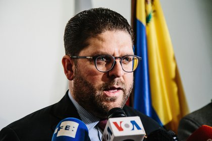 El ministro consejero de la Embajada de Venezuela en Washington, Gustavo Marcano. EFE/ Alba Vigaray/Archivo