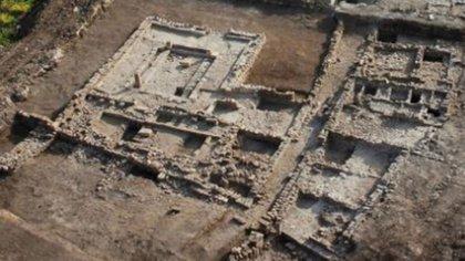 Cimientos de las construcciones de la ciudad de Magdala