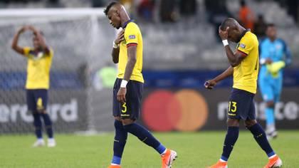 El seleccionado ecuatoriano no tuvo una buena Copa América y los dirigentes de la Federación buscan un nuevo entrenador (REUTERS/Edgard Garrido)