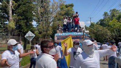 """""""Se montó un teatro para que los indígenas respondieran"""": congresista sobre lo que pasó en Cali con la minga"""