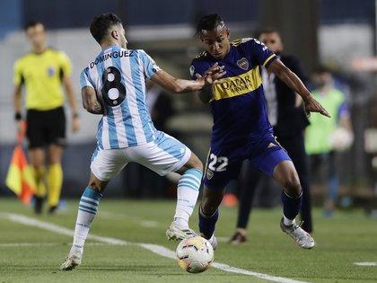 Villa fue una de las figuras de Boca en el primer tiempo ante Racing (REUTERS/Juan Ignacio Roncoroni)