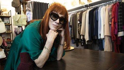 Linda Peretz, en la boutique de la Casa del Teatro (Foto: Lihue Althabe)