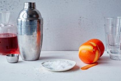 Sal y otros ingredientes para preparar cocteles, en Nueva York, el 1.° de febrero de 2020. Fotografía culinaria: Susan Spungen. (Johnny Miller/The New York Times)