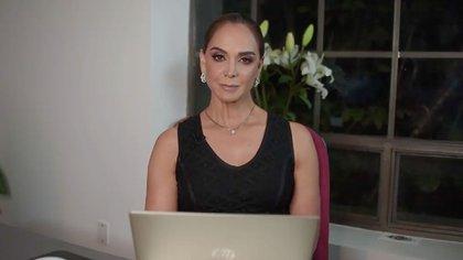 Lupita Jones, quien fue Miss Universo en 1991, fundó la organización para elegir a las reinas de belleza que representan a México en certámenes internacionales. Ella dejó de hablar a Sofía Aragón cuando esta firmó el contrato con TV Azteca (Foto: Facebook LupitaJones)