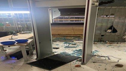 Vandalismo en Bogotá: URI Sevillana destruida 3