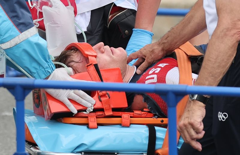 Connor Fields tuvo una hemorragia cerebral tras el impacto (REUTERS/Christian Hartmann)