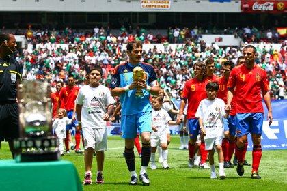 España trajo la Copa del Mundo que ganaron en Sudáfrica 2010 a México  (Foto: Isaac Esquivel/ Cuartoscuro)