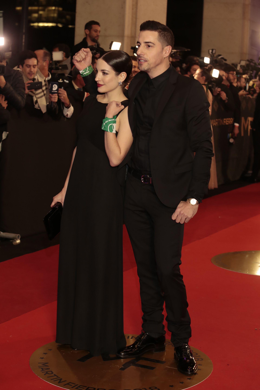 Esteban Lamothe junto con su novia, Katia Szechtman