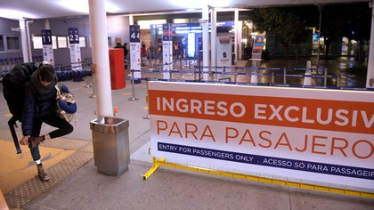 Los vuelos de cabotaje están partiendo desde Ezeiza por el cierre por refacciones del aeroparque Jorge Newbery