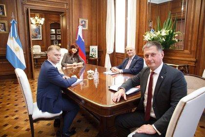 Cristina Kirchner se reunió con el embajador ruso antes del anuncio oficial.