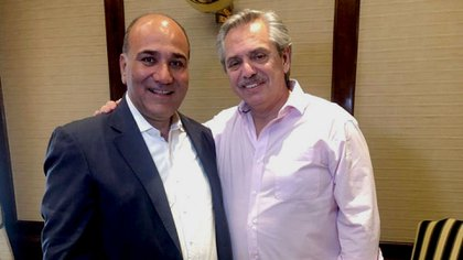 Alberto Fernández junto a el gobernador de Tucumán, Juan Manzur