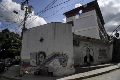 La fachada exterior de la escuela Cecilio Acosta (Bloomberg)