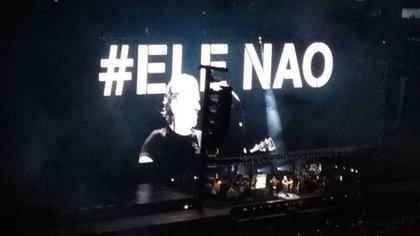 Roger Waters criticó a Bolsonaro entre de sus conciertos en Brasil. (Twitter: @J_Sz_Sz)