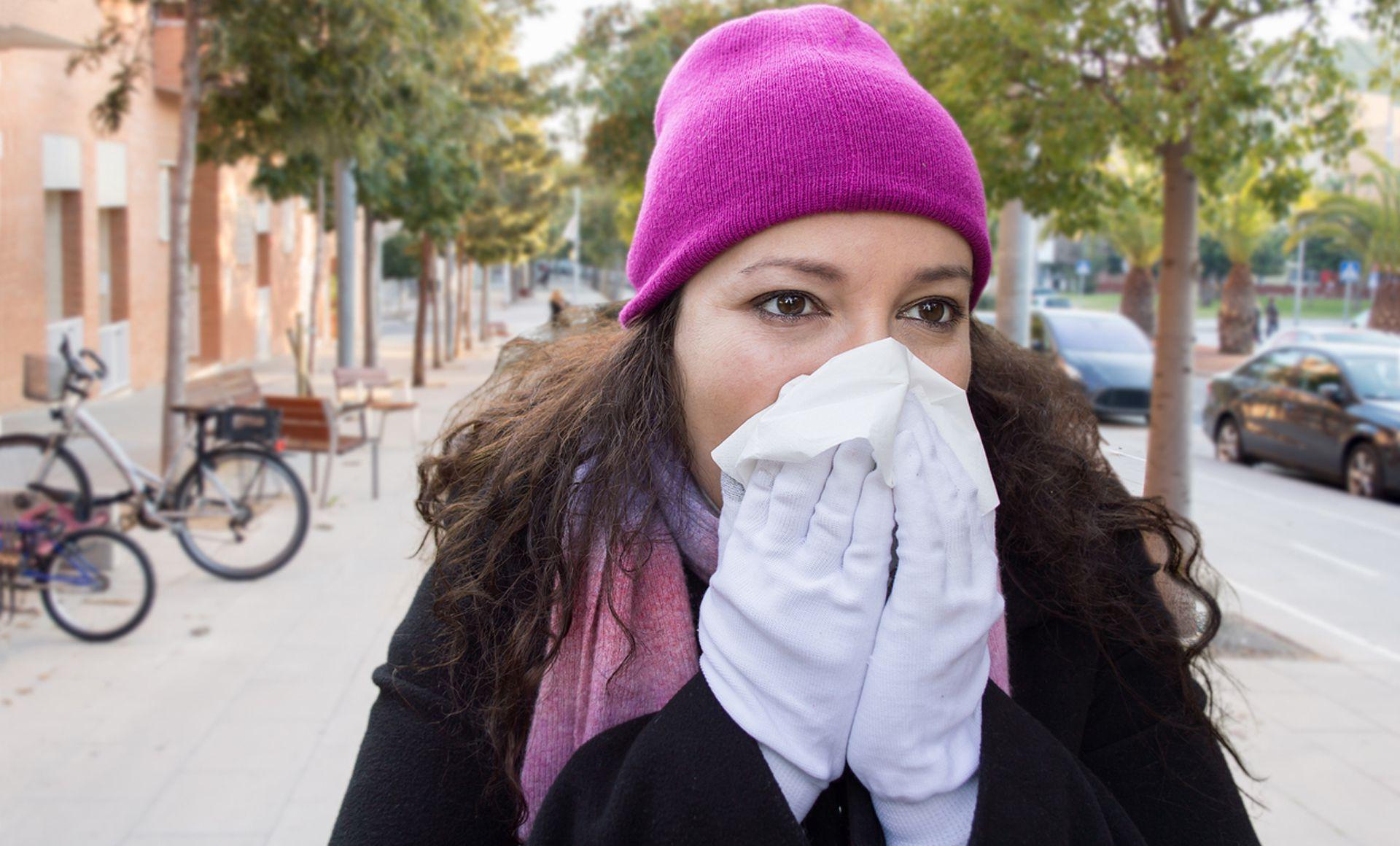 La gripe se contagia uno o dos días antes del inicio de los síntomas y cuatro o cinco después. En el caso de Covid, podemos infectar a otros durante todo el tiempo de incubación, cinco días en promedio,