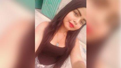 Alexandra, de 15 años, salió de la casa de su madre a las 20 hrs. del viernes 12 de julio, alguien la secuestró, torturó y asesinó, el o los asesinos siguen libres Foto: Especial
