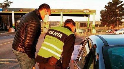 Habrá controles en los ingresos a los municipios (@nicolauria)