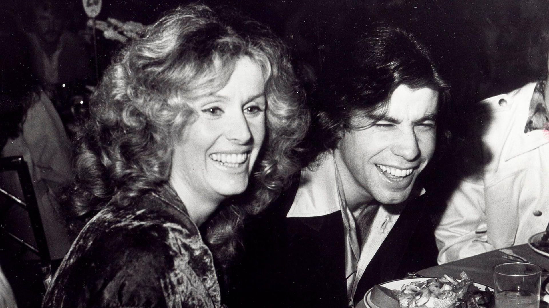 """John Travolta  y Diana Hyland se enamoraron perdidamente en 1976, años antes de que el actor protagonizara """"Saturday night fever"""". (Foto: Archivo)"""
