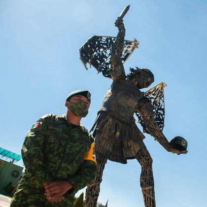 """La escultura """"Monumento a la Victoria"""" representa la victoria y la mentalidad de elementos del ejército y de los elementos de las Fuerzas Especiales FOTO: DANIEL AUGUSTO /CUATOSCURO"""