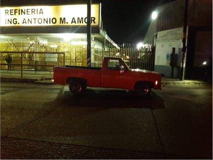 El 31 de enero de 2019 fue abandonada una camioneta con explosivos afuera de la puerta 4 de la refinería de Salamanca (Foto: BETO ARIAS /CUARTOSCURO.COM)