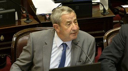 Julio Cobos (Gustavo Gavotti)