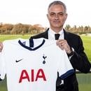 (Tottenham oficial)