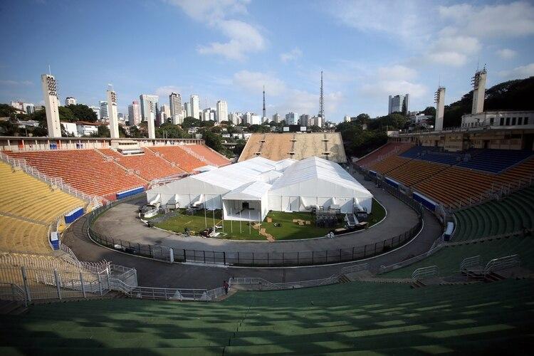 Un hospital de campaña en el Estadio Pacaembu, en Sao Paulo, Brasil, el 31 de marzo de 2020. (REUTERS/Rahel Patrasso)