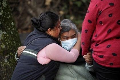 Familiares de Gaby se muestran inconsolables por su muerte (Foto: REUTERS/Luis Cortes)