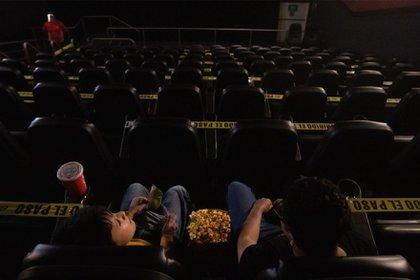 Se visualiza complicado que las salas de cine reabran sus puertas, ya que México comenzó el 2021 con una recrudecida pandemia por coronavirus (Foto: Crisanta Espinosa Aguilar/Cuartoscuro)