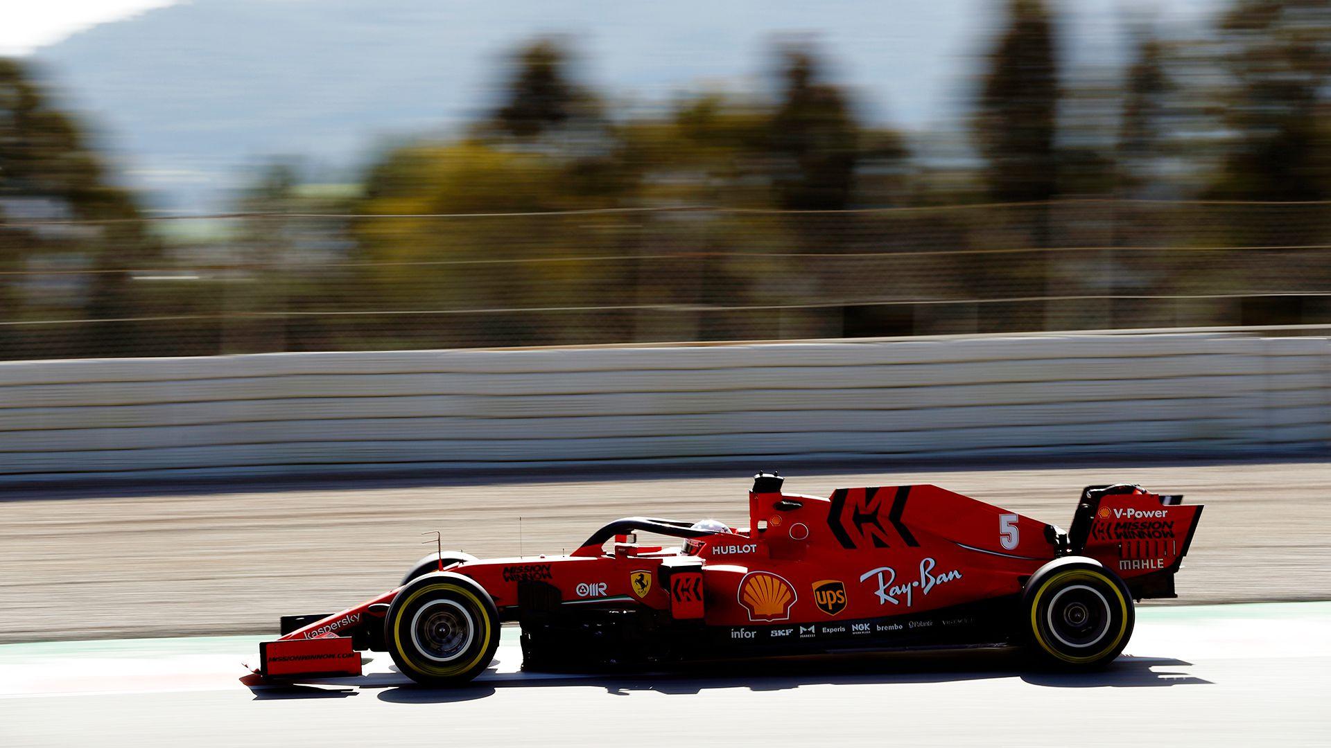 """Sebastian Vettel en acción. No seguirá en Ferrari el año próximo. Afirmó que """"no le ofrecieron renovar su contrato"""". El alemán suena para correr en Aston Martin en 2021 (Prensa Pirelli)."""
