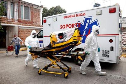 Ya suman más de 150,000 muertos por COVID-19 en México (Foto: REUTERS / Carlos Jasso / Foto de archivo)