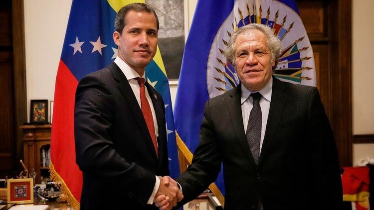 Juan Guaidó y Luis Almagro en la sede de la OEA