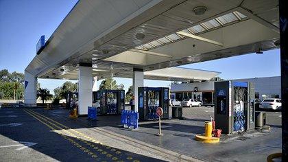 Las petroleras aumentaron los precios de los combustibles semanas atrás (Gustavo Gavotti)