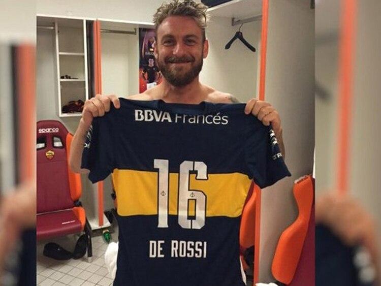 Daniele De Rossi, futbolista italiano de la Roma, de selección yfanático de Boca