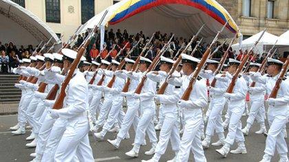Militares de la Armada venezolana en un desfile
