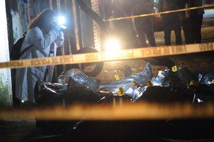 Los sujetos fueron detenidos en el cruce de las calles Alfarería y Peluqueros (Foto: Luis Carbayo/cuartoscuro)