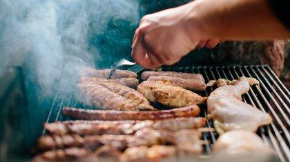 """""""Su consumo excesivo combinado con otros factores como el sedentarismo conlleva al desarrollo de obesidad, diabetes tipo 2 y dislipemias"""" (Shutterstock)"""