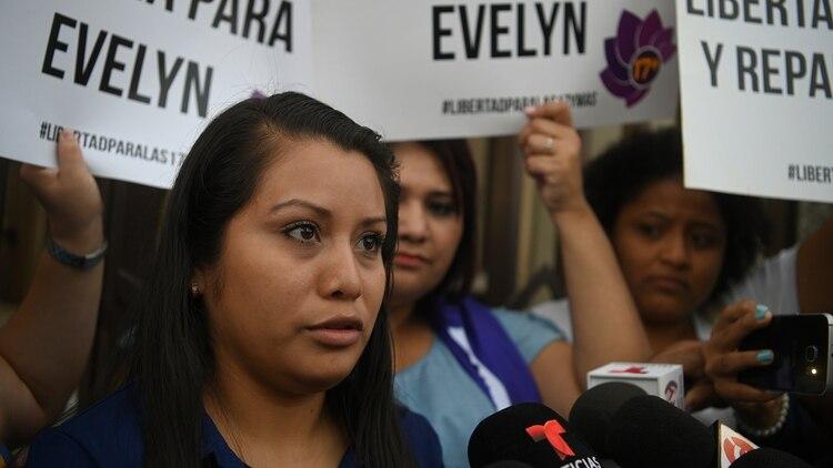Resultado de imagen para Evelyn Hernández