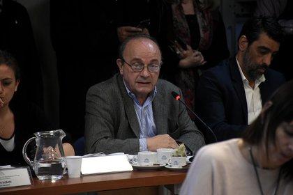 El diputado Moreau también estuvo presente pese a no ser integrante de la Comisión