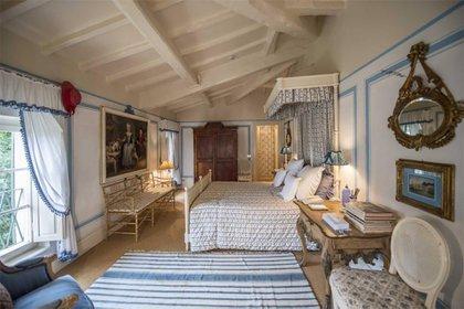 Por su parte, la casa de Valentino Garavani, cerca de París, el Château de Wideville, celebra la pasión de la alta costura por todo lo chino