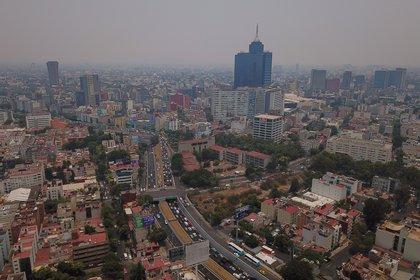 CIUDAD DE MÉXICO, 14MAYO2019.- Imágenes de drone de la contaminación en la Ciudad de México, por lo cual se decretó la Contingencia Ambiental Fase 1 Extraordinaria.  FOTO: ISAAC ESQUIVEL /CUARTOSCURO.COM