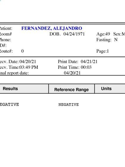 Recientemetne alivió a sus fans al mostrarles que salió negativo en su última prueba PCR, esto porque semanas antes se confirmó que se había contagiado de COVID-19 (Foto: Instagram @alexoficial)