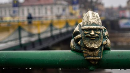 Con diferentes expresiones, ,los gnomos se volvieron una especie de actividad turística (Getty Images)