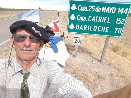 Desde entonces el hombre transita al paso bordeando las rutas nacionales