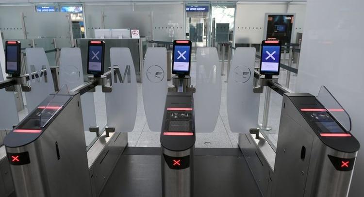 Accesos cerrados en el Aeropuerto Internacional de Múnich, Alemania, 7 abr 2020 (REUTERS/Andreas Gebert)
