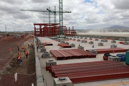 """El Aeropuerto Internacional """"Felipe Ángeles"""" en la Base Militar de Santa Lucía es uno de los grandes proyectos de infraestructura de la actual administración (Foto: Reuters)"""