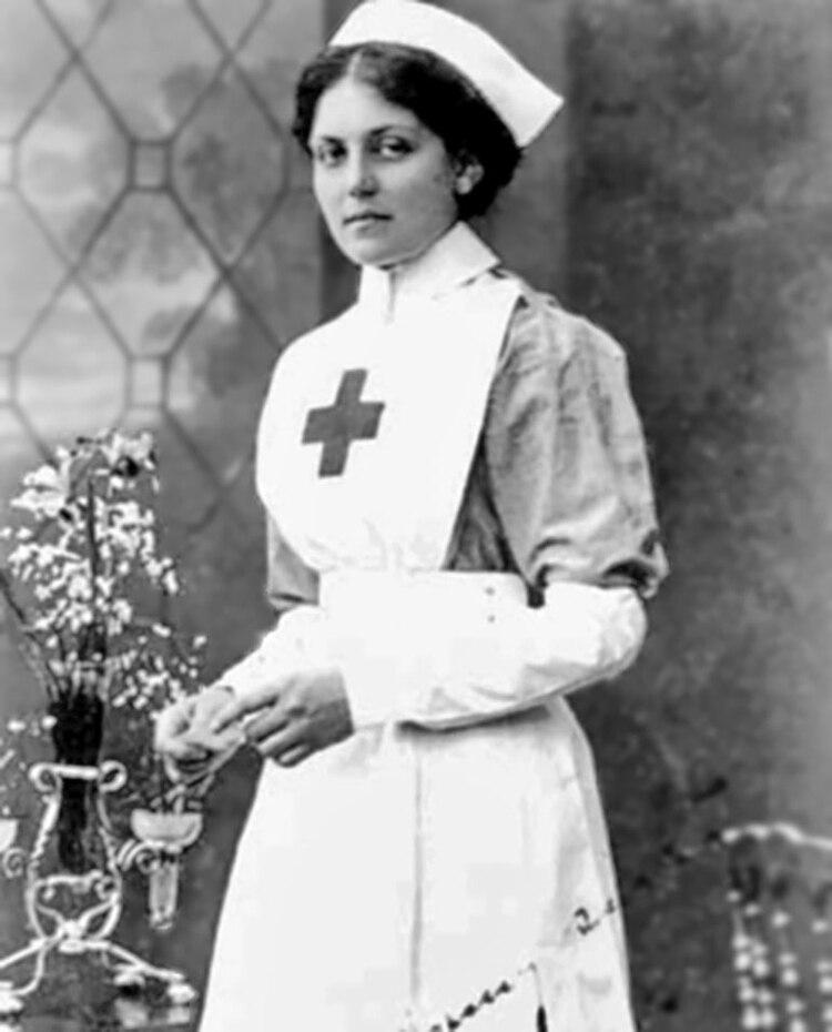 Jessop trabajó como enfermera en distintos buques durante la primera mitad de su vida